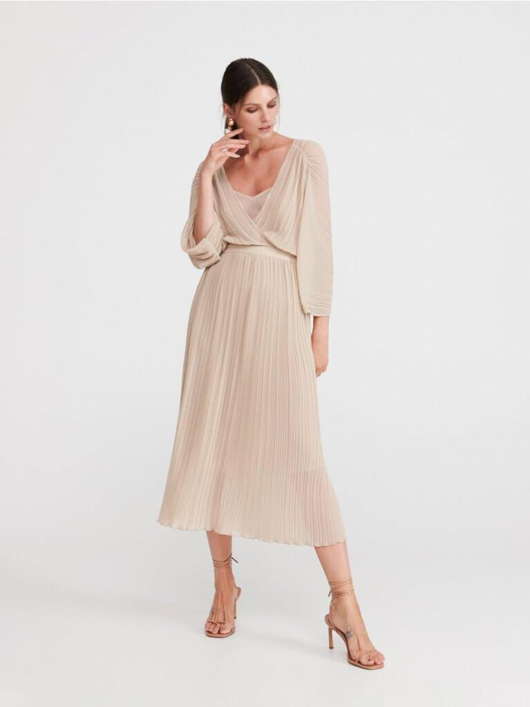2adc71fc55 woohoo.hu   10 gyönyörű letisztult ruha, ha esküvőre mész